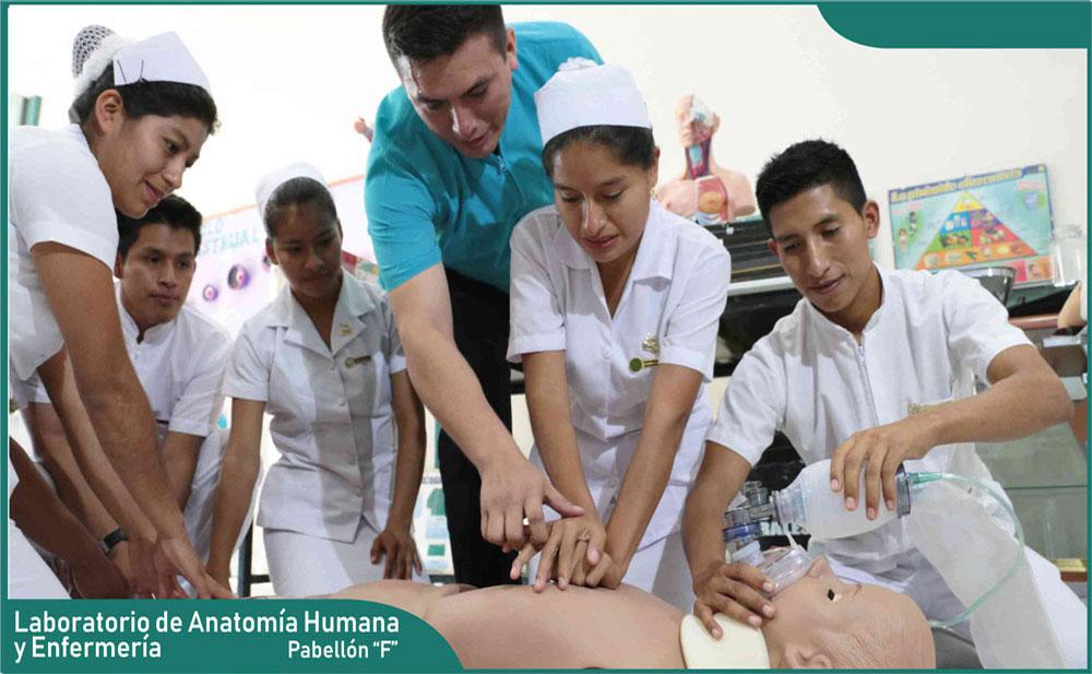 Carrera Enfermería - Laboratorio de Anatomía Humana y Enfermería